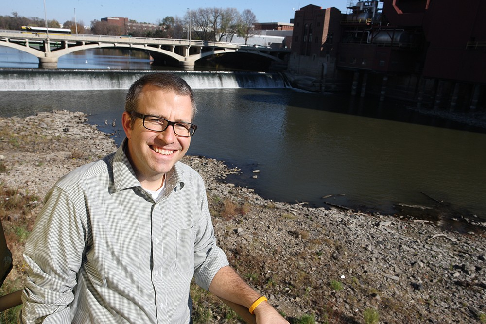 IIHR Associate Research Engineer David Cwiertny is also a member of the Water Sustainability Initiative and an associate professor of civil and environmental engineering.
