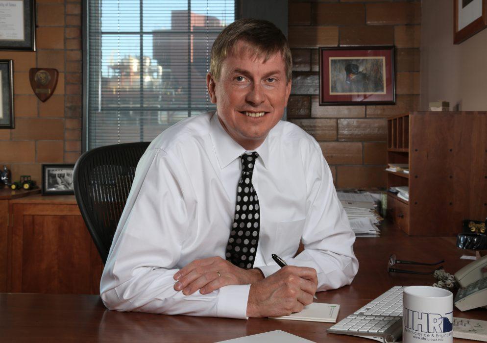 Head shot of IIHR Director Larry Weber.