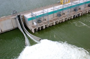 This is an aerial photo of water rushing through the fish bypass on the Wanapum Dam.