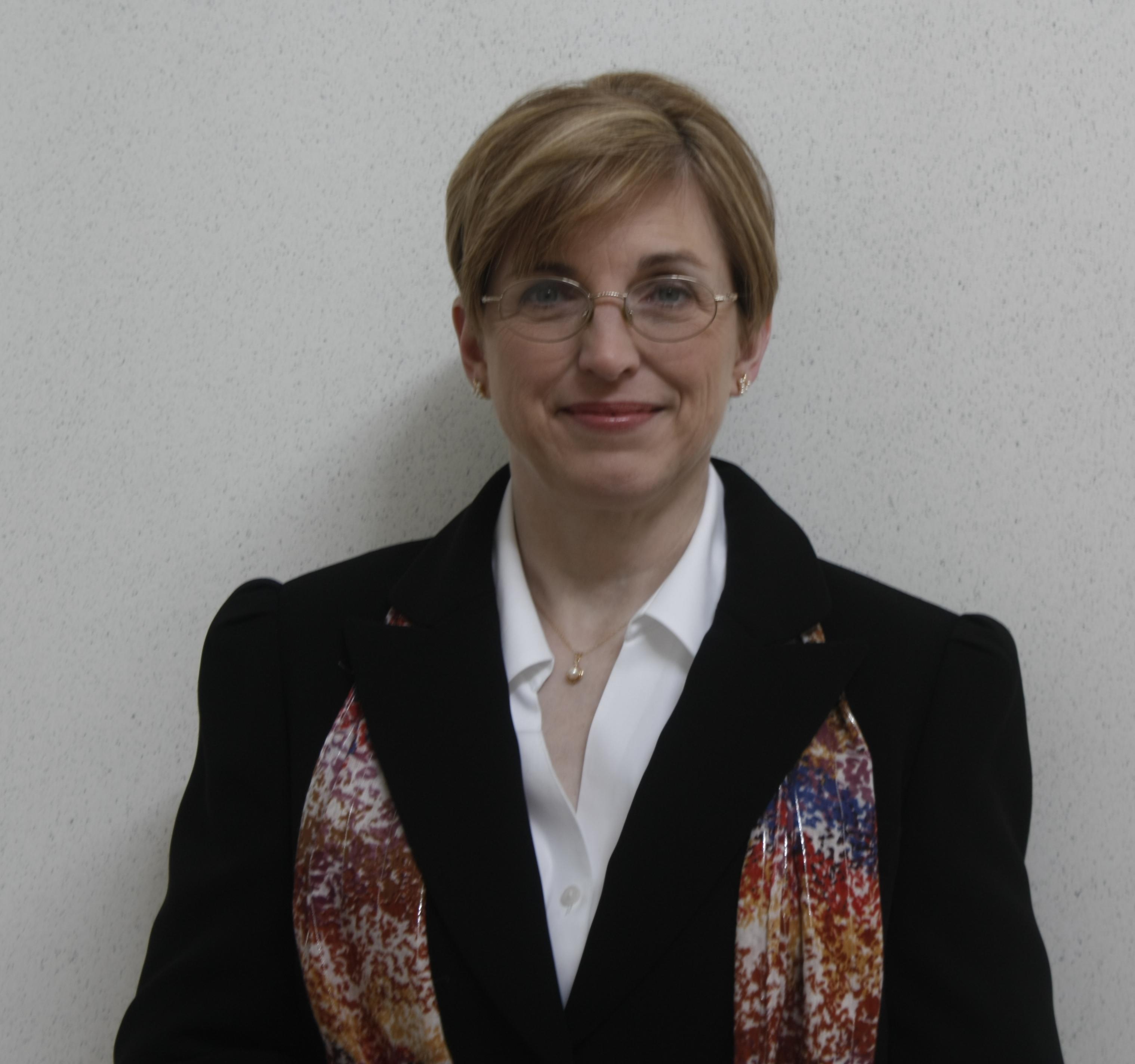 Headshot of Margaret Nelson.