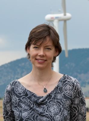 Headshot of Julie Lundquist.