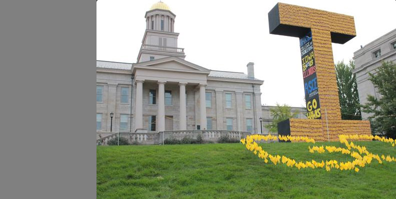 Engineering students at the University of Iowa have brought back a beloved tradition (with a little help from their faculty advisors) — the Iowa corn monument.